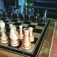 И снова шахматы, уже фигуры на поле боя.