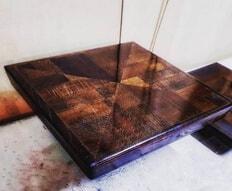 Коробка для шахматных фигур из бука. Зеркальный глянец путём многоуровневой шлифовки и полировки.
